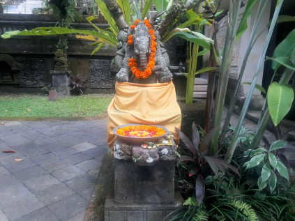 Ganesha si ofrandele aduse zilnic