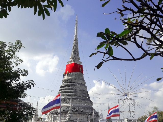 thailand temple phra samut chedi temple fair samut prakan